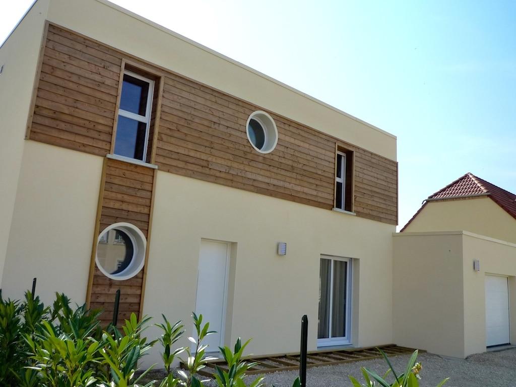 model de maison contemporaine réalisée par un constructeur