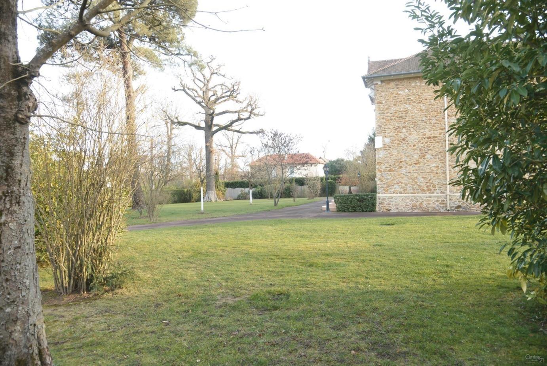 Villecresnes maisons babeau seguin for Code postal villecresnes