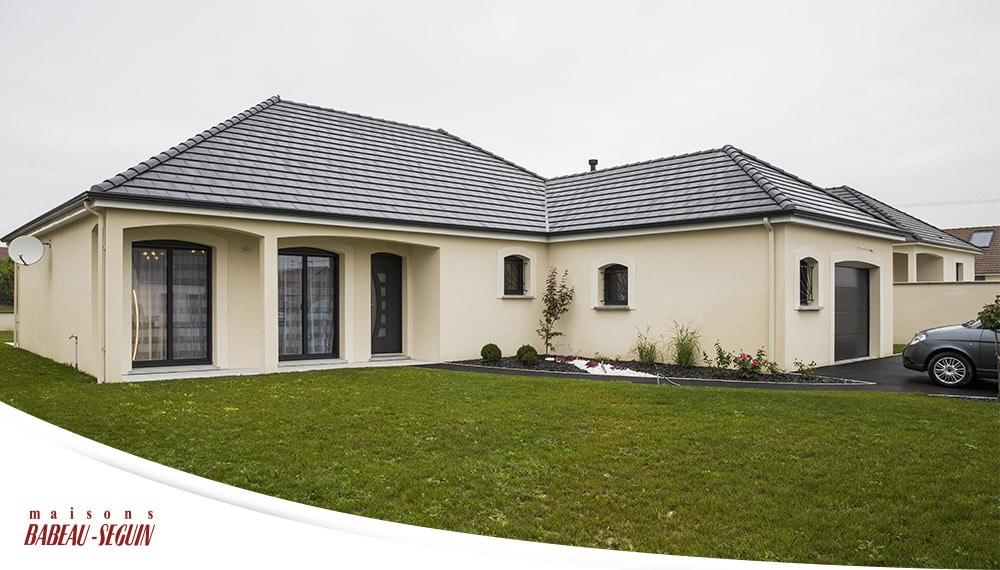 Maison traditionnelle avec plan en l - Simulation maison a construire ...