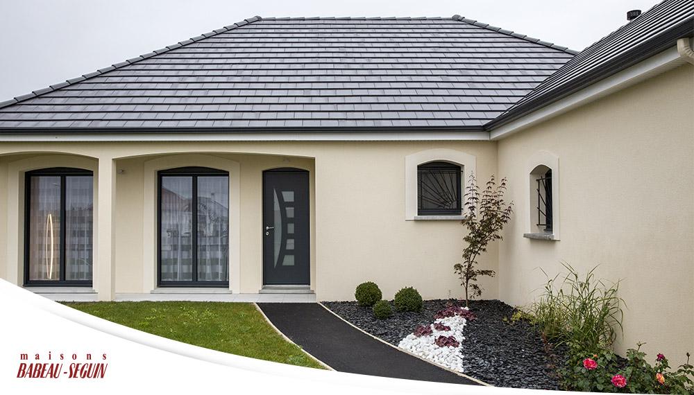 Maison traditionnelle avec plan en l for Plan exterieur maison