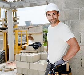 Salarie sur un chantier de construction de maison