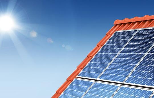 panneaux solaires maison neuve